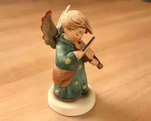 ドイツで買った陶器の天使